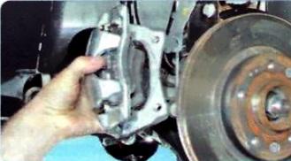 Замена суппорта в сборе рено дастер 1 6 Ремонт порогов ford fusion