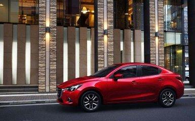 В Париже состоялся дебют Mazda 2 2015 года