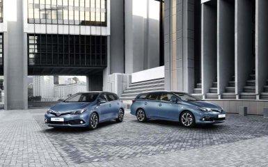 Toyota представила второе поколение хэтчбека Auris