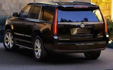 Cadillac Escalade 2015 — строгая классика