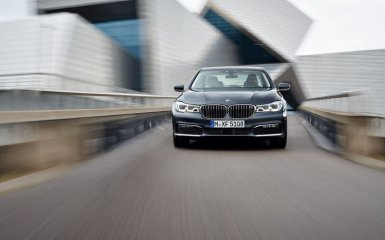 Дебютировало шестое поколение BMW 7-Series в кузовах G11 / G12
