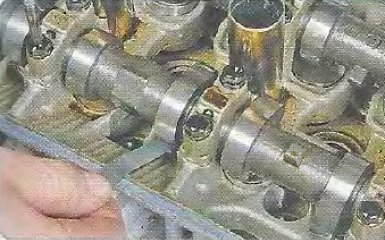 Проверка и регулировка зазоров в приводе клапанов Geely МК / МК Cross