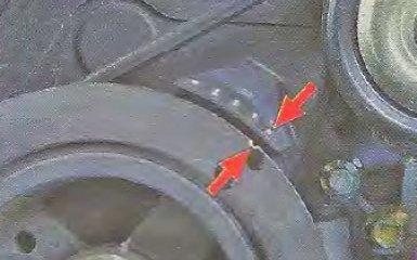 Установка поршня первого цилиндра в положение ВМТ такта сжатия на Geely МК / МК Cross