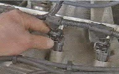 Замена топливной рампы Geely МК / МК Cross