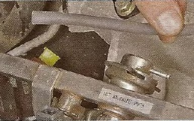 Замена регулятора давления топлива Geely МК / МК Cross
