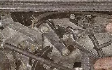 Замена троса привода дроссельной заслонки Geely МК / МК Cross