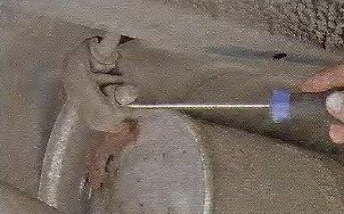 Замена подушек подвески системы выпуска ОГ Geely МК / МК Cross
