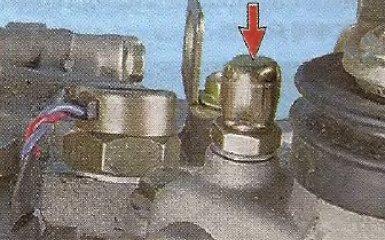 Замена сапуна коробки передач Geely МК / МК Cross