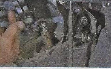 Замена поперечины передней подвески на Geely МК / МК Cross