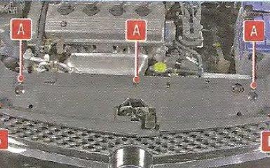Снятие и установка облицовки моторного отсека Geely МК / МК Cross