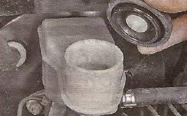 Замена главного тормозного цилиндра Geely МК / МК Cross