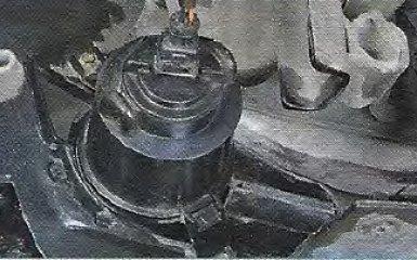 Замена противотуманных фар Geely МК / МК Cross