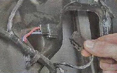 Снятие и установка стеклоподъемника передней двери Geely МК / МК Cross