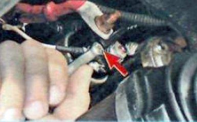 Снятие и установка стартера Renault Duster