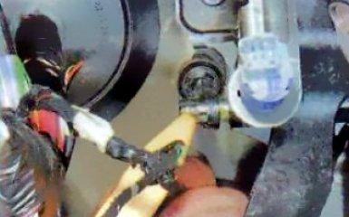 Замена педали сцепления Renault Duster