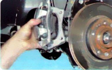 Замена передних тормозных дисков Рено Дастер, 2010 - 2015 г.в.