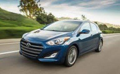 Hyundai Elantra 2016 – старая начинка в новой обёртке
