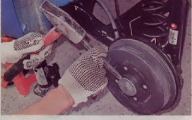 Замена тормозных барабанов на Reault Logan 2