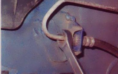 Замена тормозных шлангов и трубок на Renault Logan 2