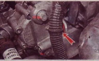 Регулировка зазоров в приводе клапанов на Renault Logan 2