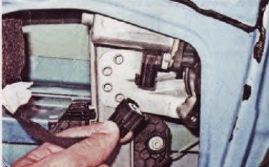 Замена стеклоподъемника на Renault Logan 2