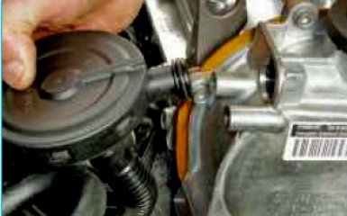 Замена прокладки ГРМ Volkswagen Polo V sedan 1.6