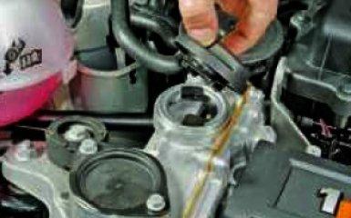 Замена масла и масляного фильтра на Volkswagen Polo 5