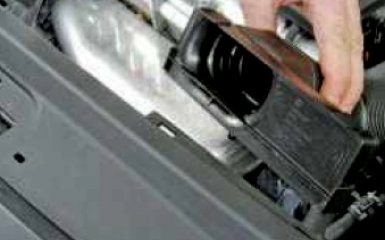 Установка поршня 1-го цилиндра в положение ВМТ такта сжатия на VW Polo 5