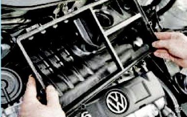 Замена прокладок впускной трубы на Volkswagen Polo 5