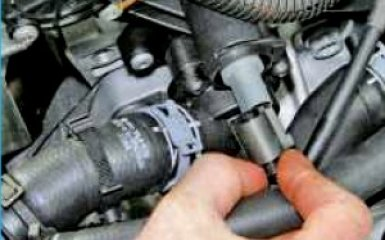 Замена водораспределителя Volksagen Polo 5
