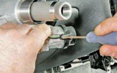 Замена цилиндра замка зажигания и блока иммобилизатора на VW Polo sedan