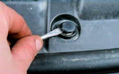 Замена облицовок моторного отсека Honda Civic 4D/5D 1.8 (R18A1), 2006 - 2012 г.в.