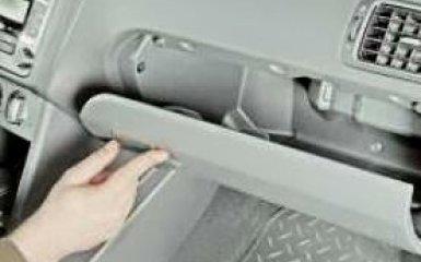 Бардачок VW Polo sedan: снятие и замена
