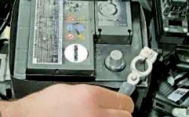 Снятие и установка заднего бампера на VW Polo sedan