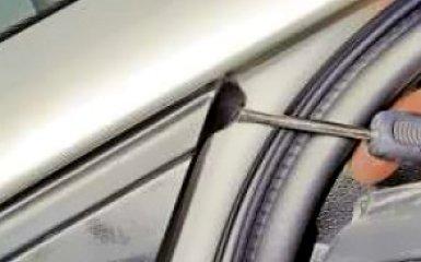 Снятие и установка переднего крыла на VW Polo sedan