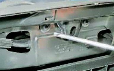 Замена замка капота на VW Polo sedan