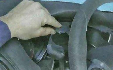 Снятия и замена панели комбинации приборов Ford Focus 3