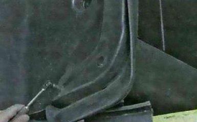 Брызговики и подкрылки Ford Focus 3: снятие и установка