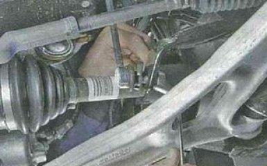 Замена деталей стабилизатора передней подвески Ford Focus 3