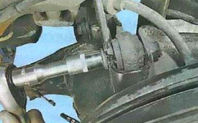 Замена поперечных рычагов задней подвески Ford Focus 3