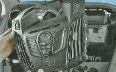 Замена блока управления климат контролем Ford Focus 3