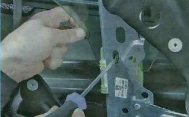 Задние стеклоподъемники Форд Фокус 3: снятие и замена