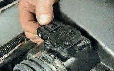 Замена воздушного фильтра двигателя Mazda 6 (GH), 2007 - 2012 г.в.