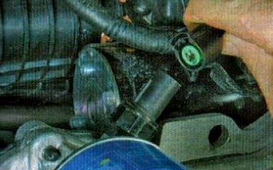 Замена датчика давления масла KIA Rio 3