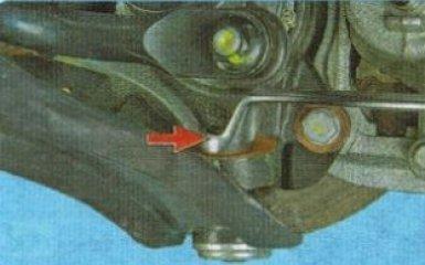 Замена рычагов передней подвески Kia Rio 3