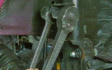 Замена стойки стабилизатора Kia Rio 3