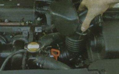 Замена прокладки впускной трубы KIA Rio 3