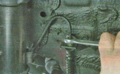 Замена тормозных шлангов KIA Rio 3