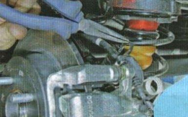 Замена заднего тормозного суппорта KIA Rio 3