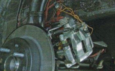 Замена заднего тормозного диска KIA Rio 3